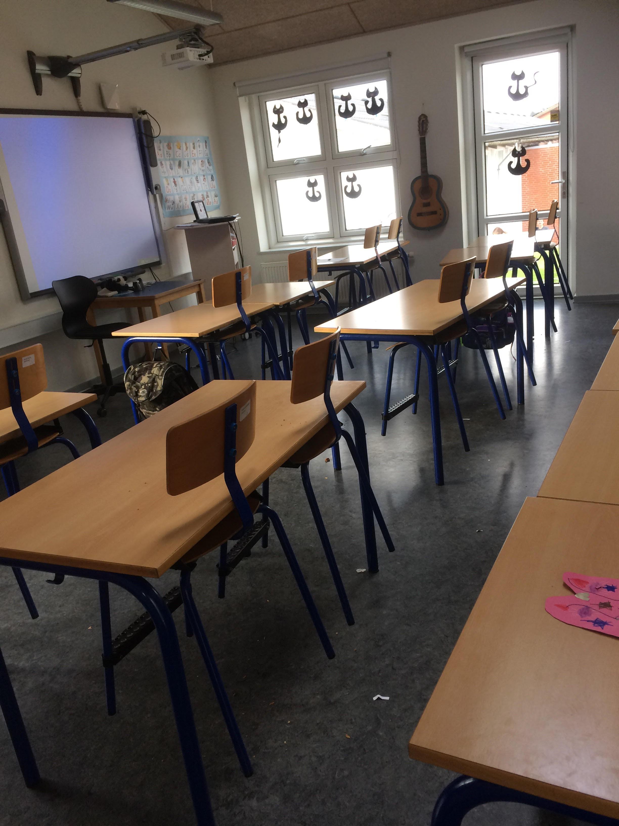 Skolemøbler fra Balle friskole, 7182 Bredsten